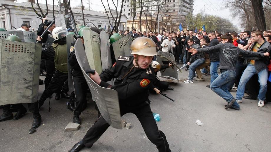 """Încă un poliţist condamnat în """"dosarul 7 aprilie 2009"""""""