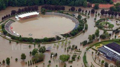 (FOTO) Inundaţiile din Europa – 11 morţi și imagini apocaliptice cu orașe sub ape