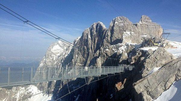 (foto) Austriecii au inaugurat în Alpi cel mai înalt pod din ţara lor