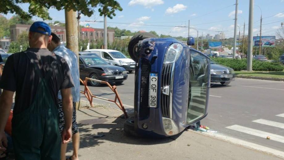 (foto, video) Accident pe strada Petricani din Capitală