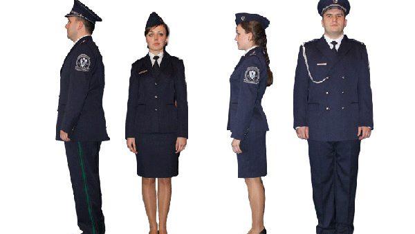 Din august cu uniforme noi pentru poliţişti