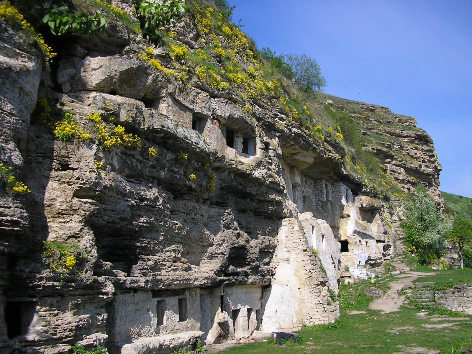 Mănăstirea din stâncă. orheiul Vechi. PC: muz-tracker.net