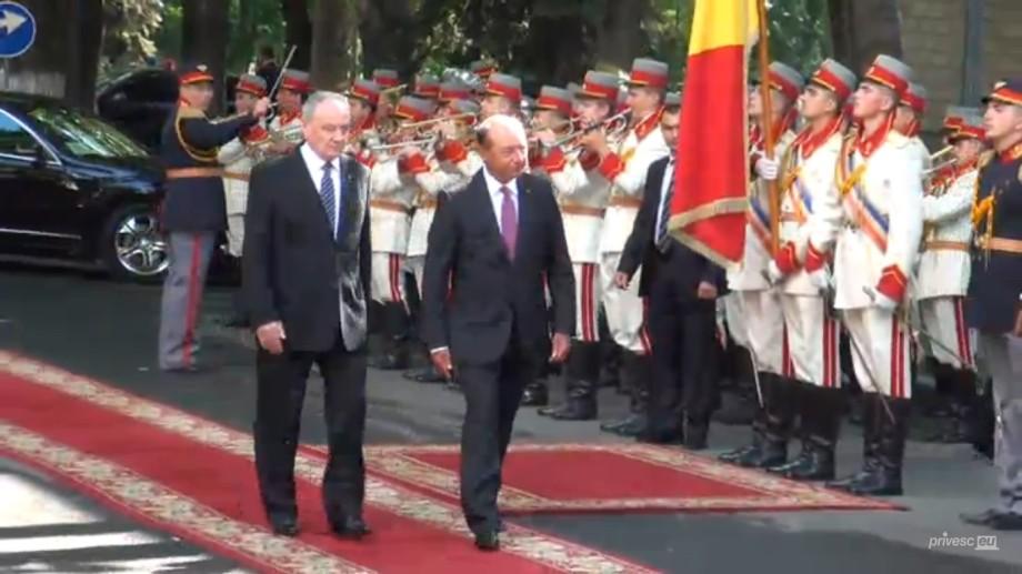 (video) Traian Băsescu a sosit la Chișinău