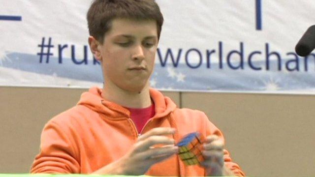 (video) Australianul Feliks Zemdegs este iarăși campion mondial la speedcubbing