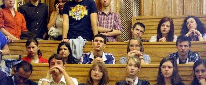 Educația din Moldova: fruntașă la cheltuieli, codașă la rezultate