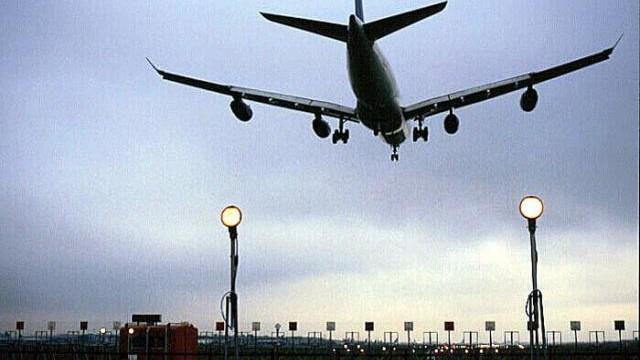 Primarul Londrei vrea să închidă cel mai mare aeroport din Europa