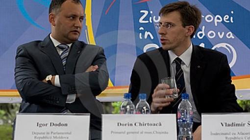 Igor Dodon îl cheamă pe Dorin Chirtoacă la dezbateri publice