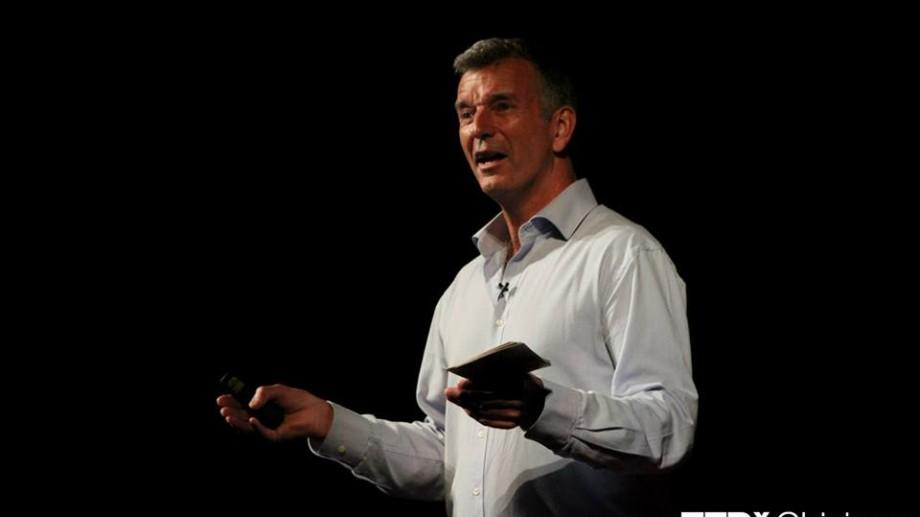 (video) Discursul lui Tony Hawks de la TEDxChisinau: Postcards from the future