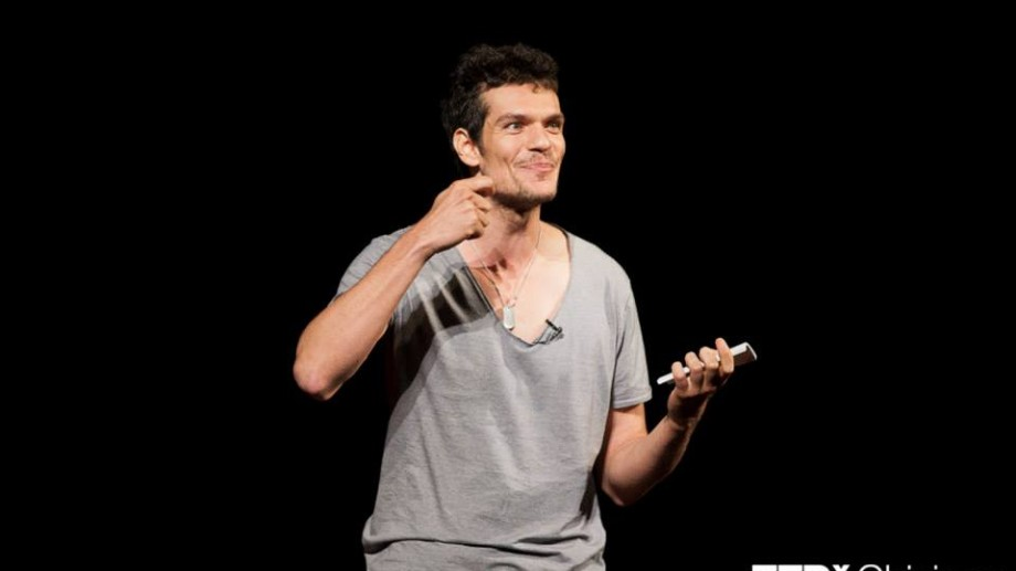 (video) Discursul lui Tudor Chirilă de la TEDxChisinau: Postcards from the future
