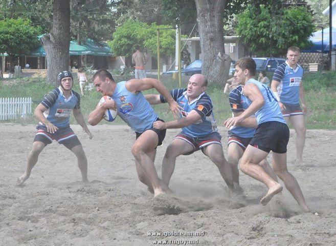 Etapa a doua a Cupei de rubgy pe plajă va avea loc duminică cu începere de la ora 9.00