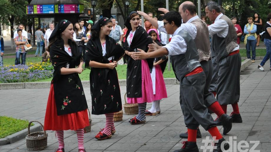 (foto) Concertul Prieteniei moldo-italiene a început în Scuarul Europei