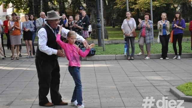 """(foto) Dans și cântec la """"Concertul Prieteniei moldo-italiene"""""""
