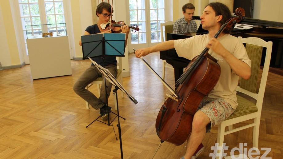 (foto) Muzică și pictură la Interferența Artelor