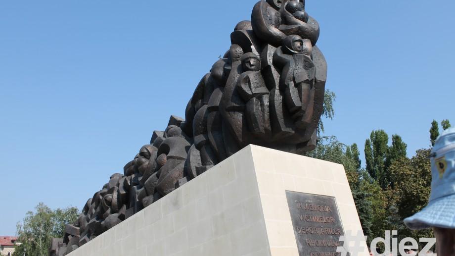 La propunerea Ministerului Culturii vor fi edificate trei monumente de for public
