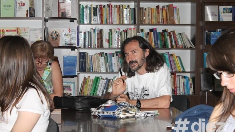 (foto) Vinerea poetică împreună cu Clubul poeților desculți