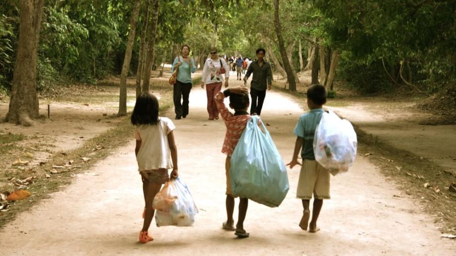 3 motive de ce copiii nu trebuie să stea în orfelinate