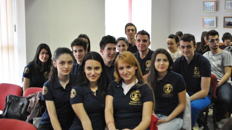 Faceți voluntariat și vizitați Bulgaria