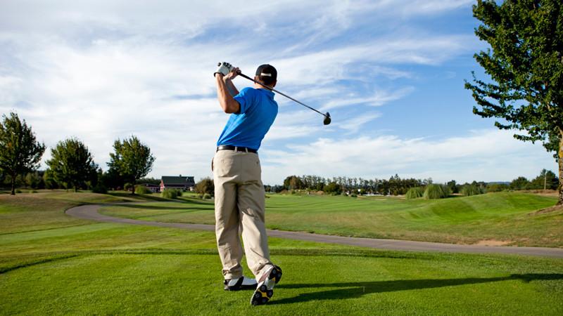 Pe 7 septembrie va avea loc primul campionat de golf pentru mass-media