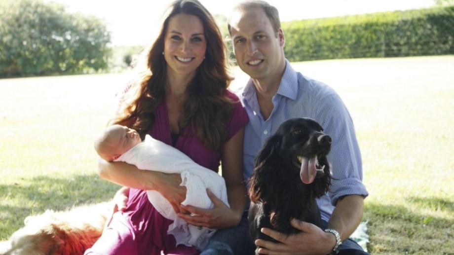 (foto) William și Kate au expus primele poze oficiale ale prințului George