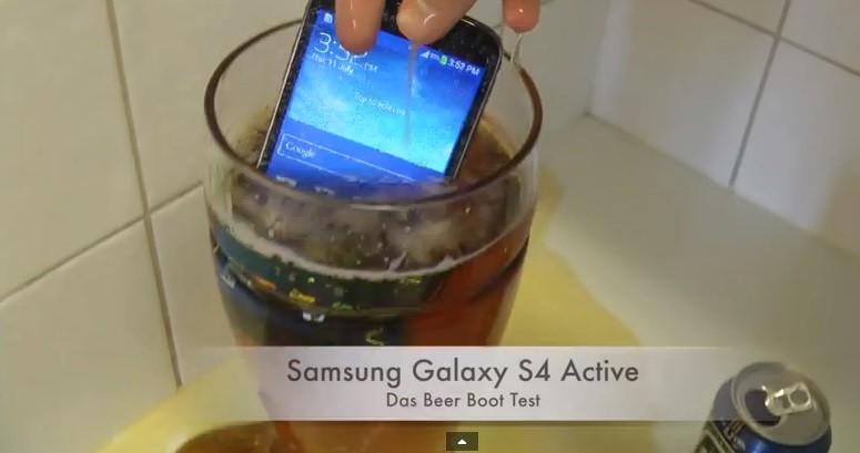 (video) Ce se întâmplă când pui un Samsung Galaxy în bere
