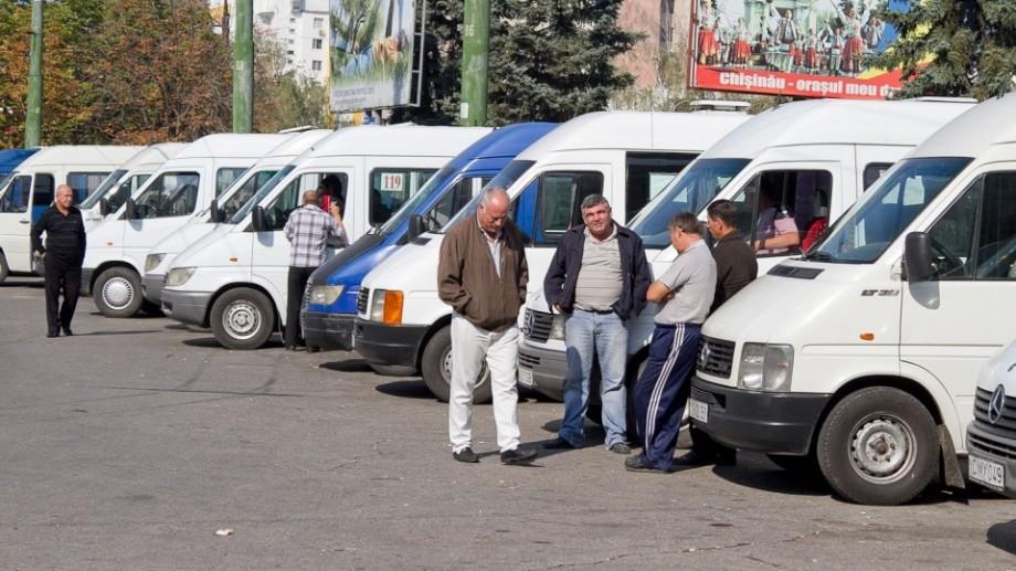 Șoferii microbuzelor 113, 109 și 191 au intrat în grevă