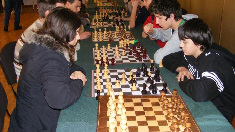 Elevii vor studia șahul la școală