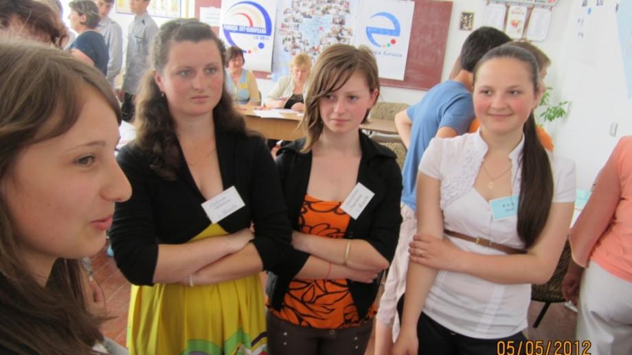 Tinerii indeciși își pot găsi calea participând la programul de ghidare în carieră al CareerHub Moldova