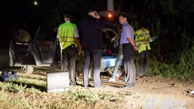 (foto) După o urmărire în viteză și focuri de armă, polițiștii au găsit o femeie grav rănită în portbagajul unui jeep
