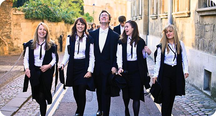 Bursele Reach Oxford pentru studenți