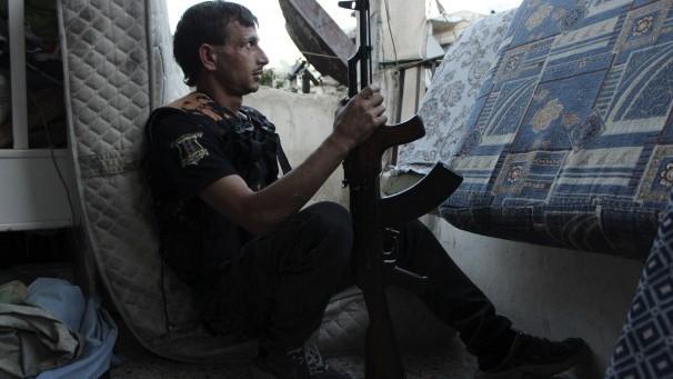 SUA a început livrarea de arme rebelilor sirieni