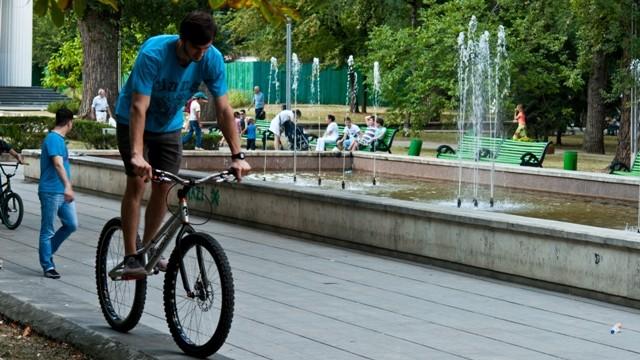 """Proiectul #diez """"Ce fac oamenii în parc?"""" la Istorii Urbane"""