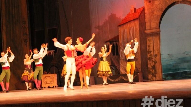 "(foto) Spectacolul ,,Don Quijote"" în imagini"
