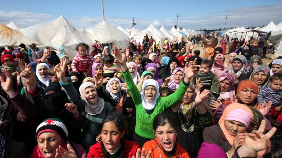 Suedia va oferi azil politic refugiaților din Siria