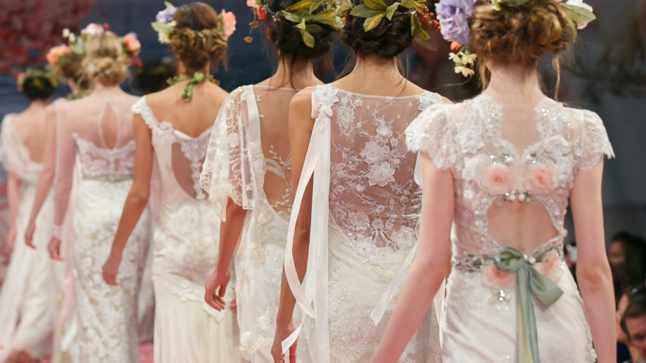 Jurnalul miresei: Rochii în care să etalezi la nunta ta
