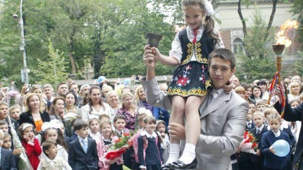 Fără preoți la careul de 1 septembrie? Răspunsul Ministerului Educației la solicitarea unui grup de activişti