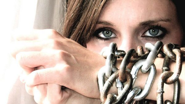 """Concurs de fotografie """"aRtitudine împotriva traficului de fiinţe umane"""""""