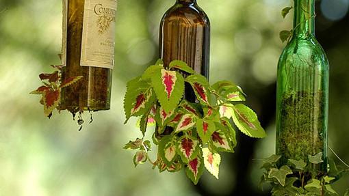 15 idei pentru reciclarea sticlelor de vin