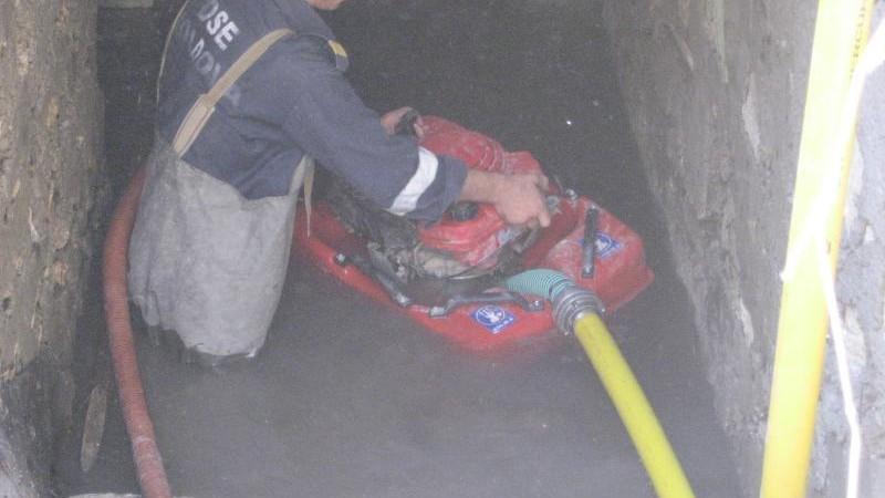 Case inundate la Cahul. 30 de salvatori au lucrat la pomparea apei