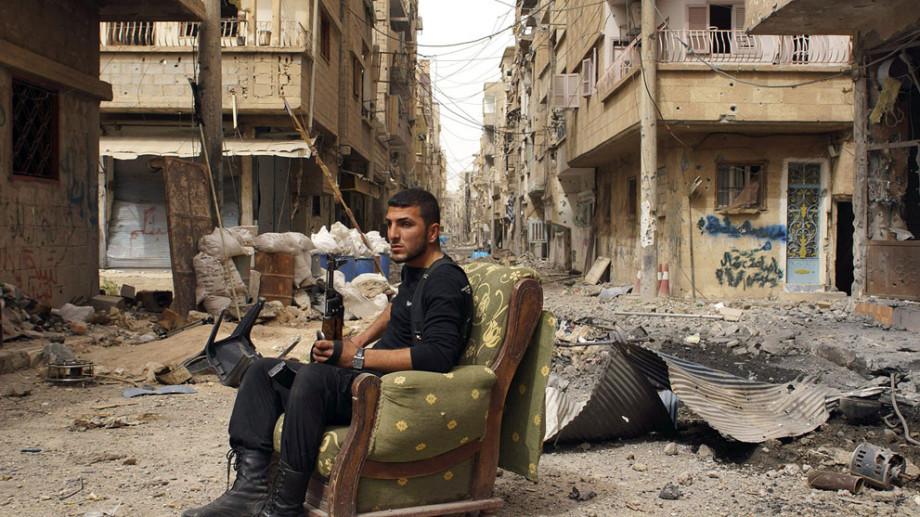 Siria omoară oamenii: Trei morți printre care și un jurnalist