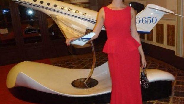 (foto) Natalia Barbu în rochie roșie la Gala Forbes