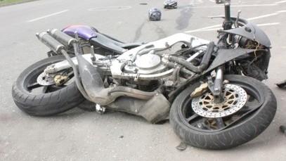 Un tânăr de 14 ani a decedat într-un accident de motocicletă