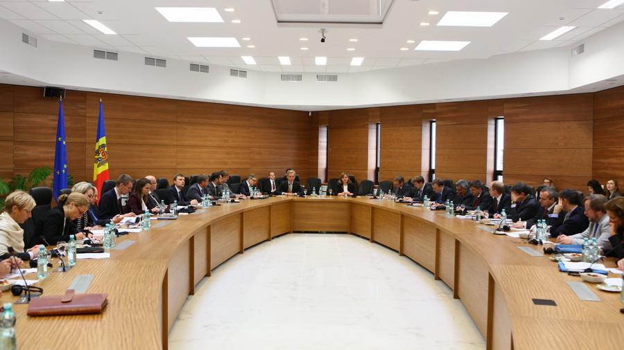 De ce are nevoie Moldova de susținerea a 28 de ambasadori?