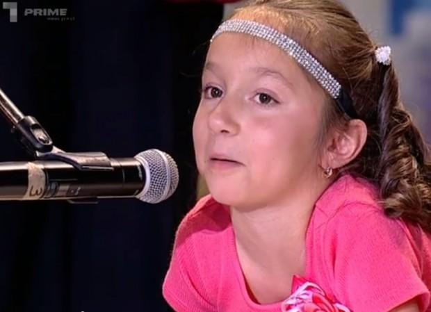 Iana Suvorcova - fetița care pictează cu gura. Cel mai emoționant moment de la Moldova Are Talent PC: Captura video