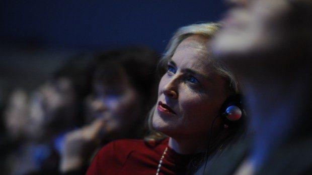 Laureații Nobel o premiază pe Sharon Stone