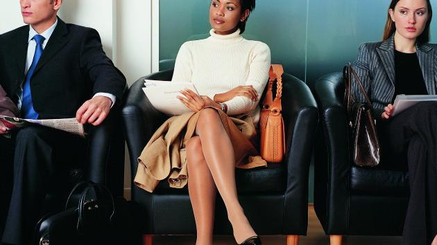 Femeile care vor să aibă o carieră strălucită trebuie să se machieze
