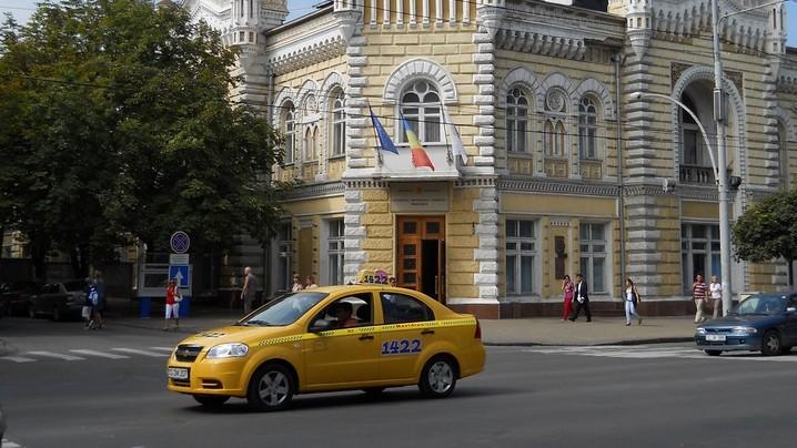 Zece sfaturi de la taximetriști despre cum trebuie administrată o țară