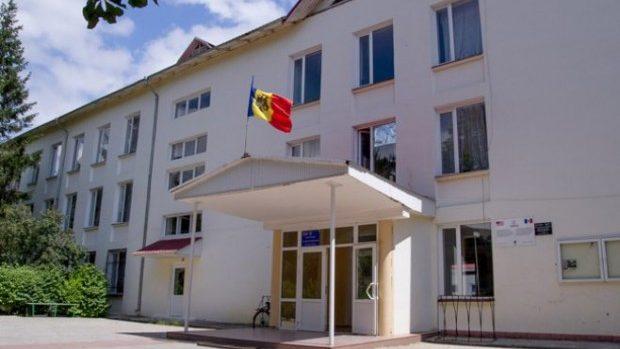 Încetarea contractelor de muncă ale directorilor – discutată la Ministerul Educației