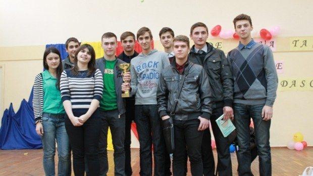 Topul liceelor din Moldova cu cea mai bună medie la BAC în 2013