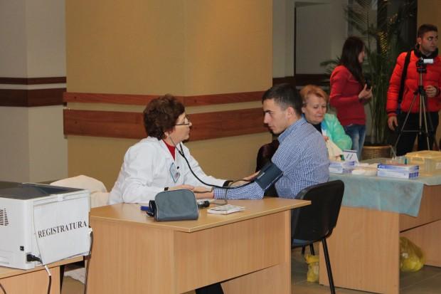 Consultarea donatorilor voluntari. USM-ul donează sânge!