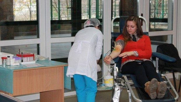 (foto) USM-ul donează sânge!